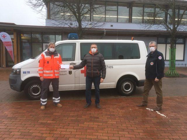 TV Neulingen spendet für neuen Defibrillator des DRK Nußbaum